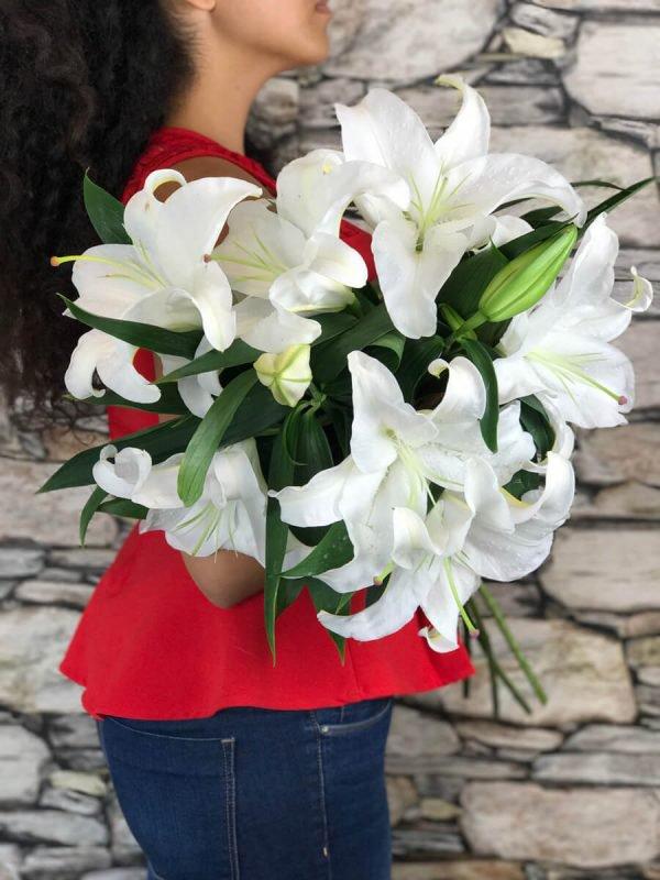 Flower Delivery Tarzana cover