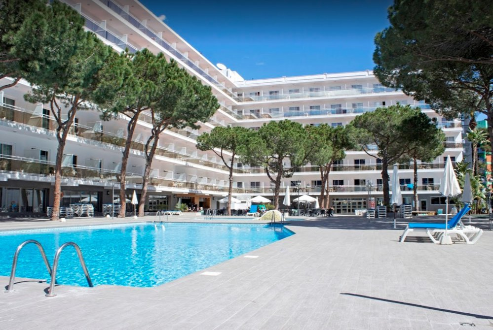 Hotel Oasis Park Salou cover