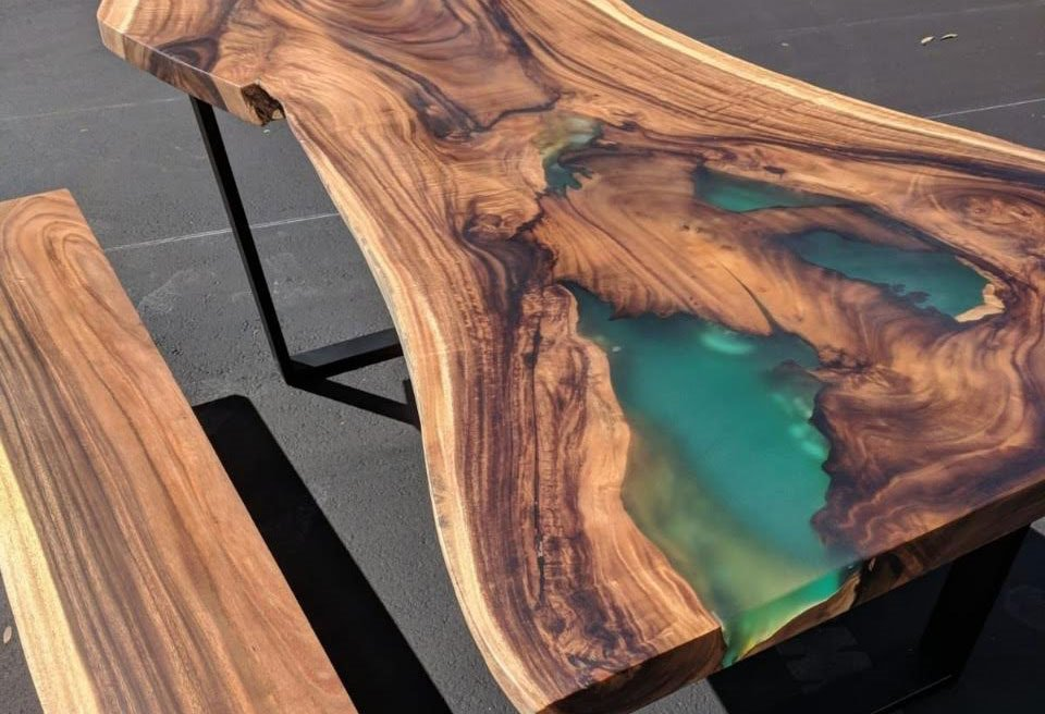 Live Edge Table cover