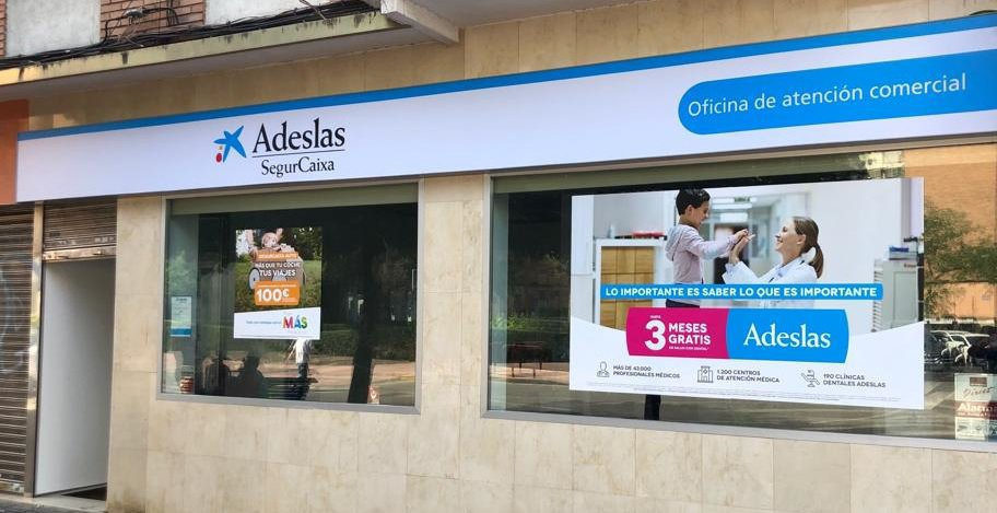 Oficina de Atención Comercial SegurCaixa Adeslas Móstoles. cover