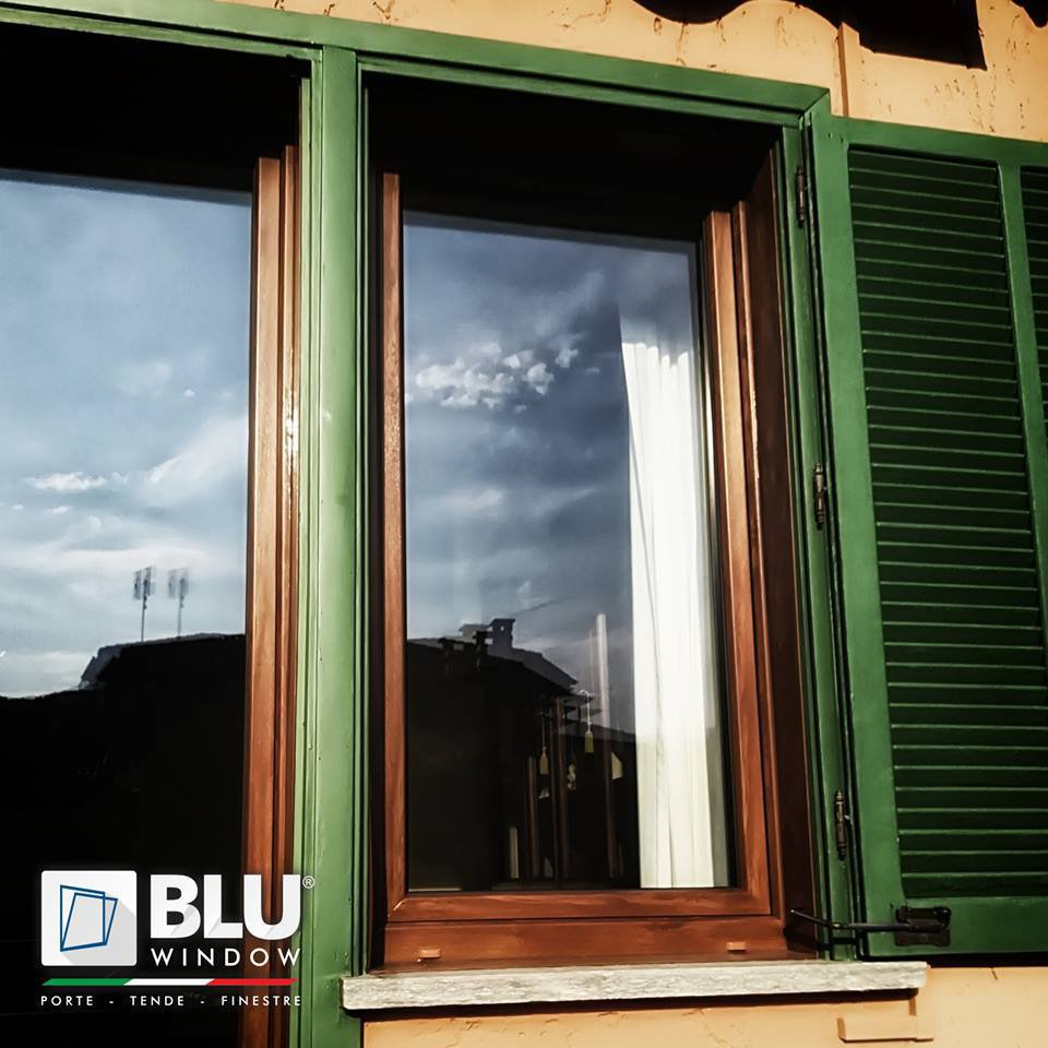 Blu Window cover