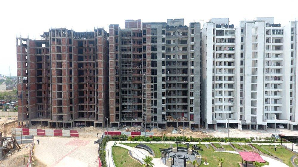 Flats in Dera Bassi cover