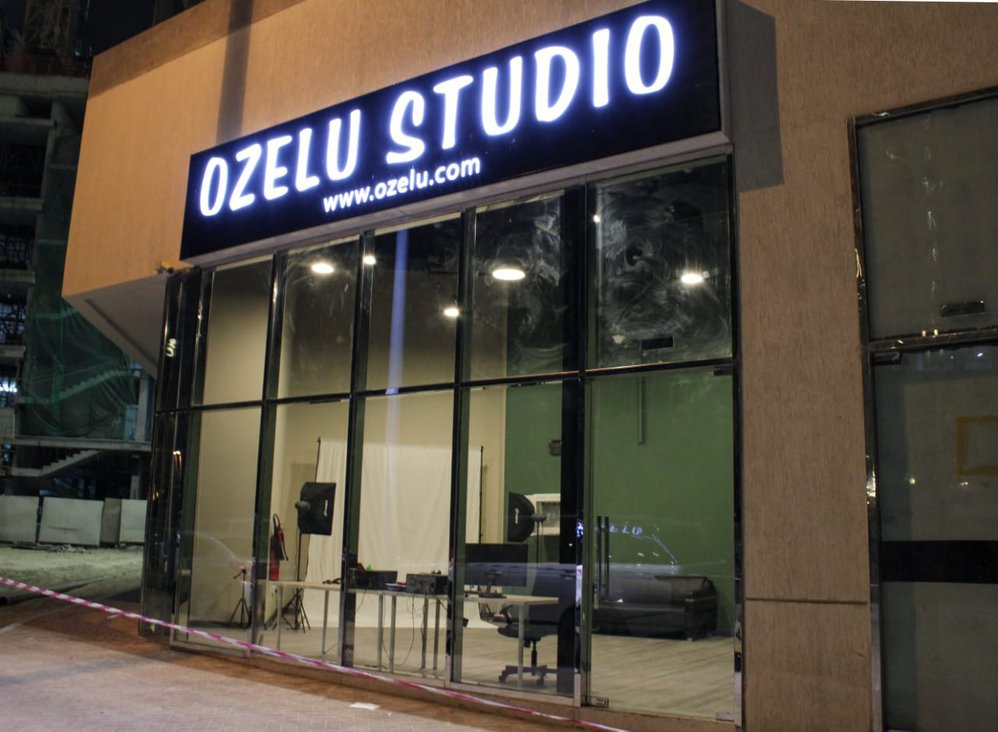 Ozelu Studio cover