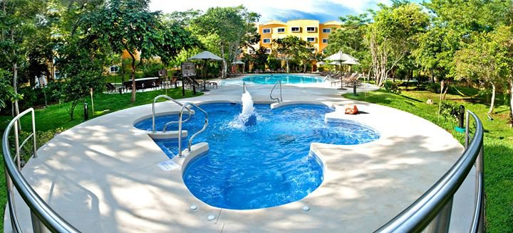 Courtyard by Marriott Cancun Airport cover