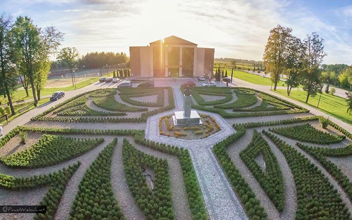 Gminne Centrum Kultury w Wierzchosławicach cover
