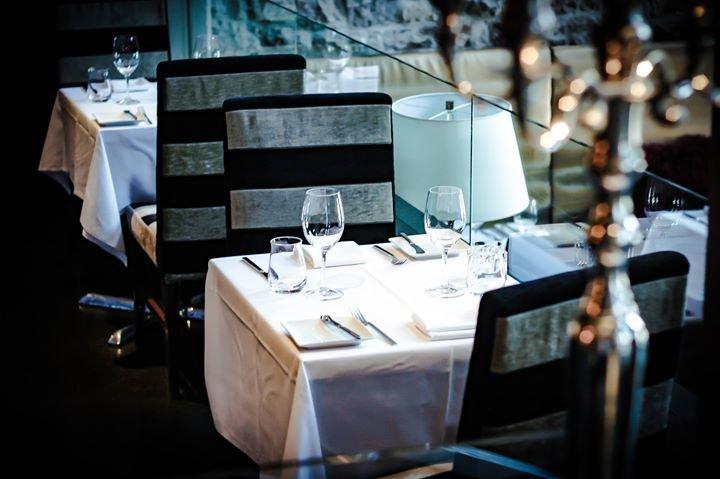restaurant e18hteen cover