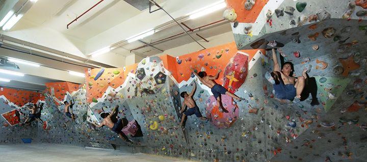 GONATURE Climbing Gym cover