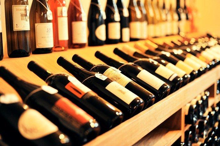Wijnhandel La Cave Insolite cover