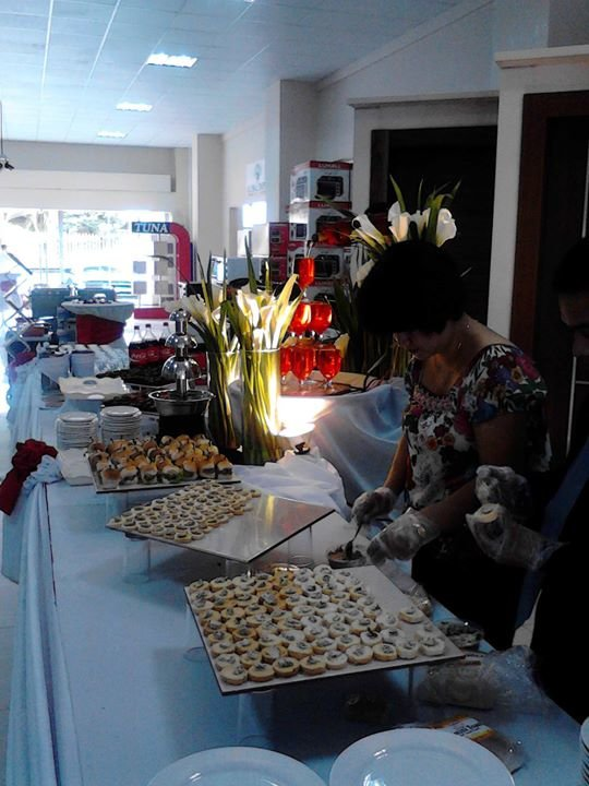 Amore's Catering Services cover