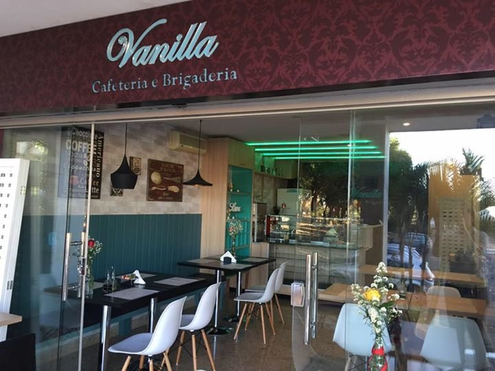 Vanilla Café e Brigaderia cover