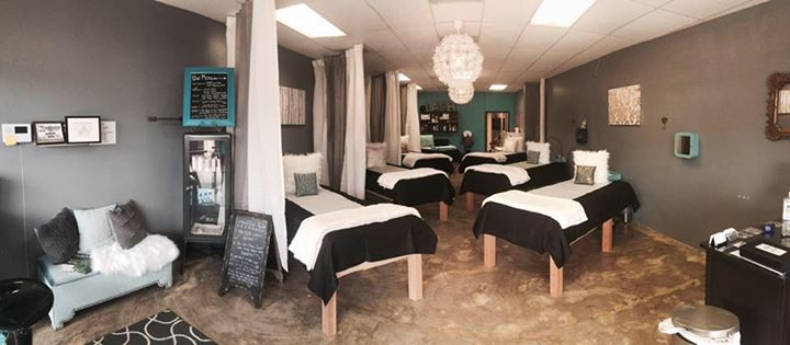 Lashed Out Beauty & Lash Bar - Waxahachie, United States