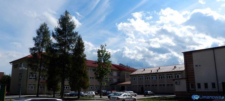 Zespół Szkół Nr 1 im. Józefa Piłsudskiego w Limanowej cover