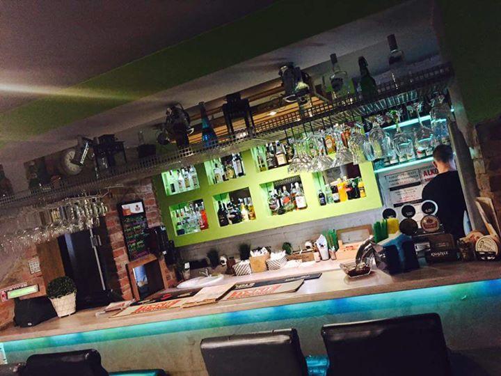 Restauracja-Pub Piwnica na Starówce cover