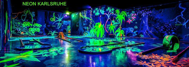 Neon Karlsruhe - 3D Schwarzlicht Minigolf cover