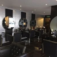Rock N Rolla Hairdressing
