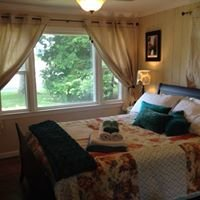 Sam's Cottage Bed and Breakfast on the Greens