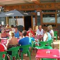 Hennessey's Irish Pub