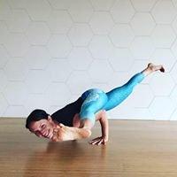 Clara Johnson Yoga & Pilates
