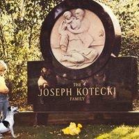 Kotecki Memorials