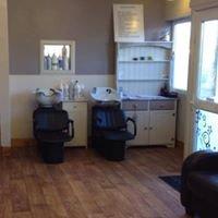Headz and Bedz Hair & Beauty salon