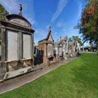 Lakelawn Cemetery