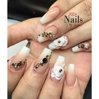 Nails by Ylianne