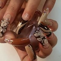 Artistic Nails by Adela