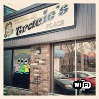 Tracie's Place Restaurant and Karaoke