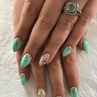 Lady Bee's Nails