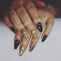 Inalcanzable's - Nageldesign