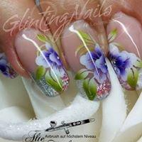 Glinting Nails