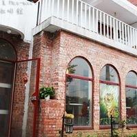 Coffee Door & Meo-woo 貓雜貨咖啡館