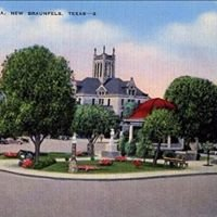Main Plaza Downtown New Braunfels