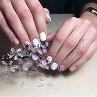 Mara Belluscio Nail Artist