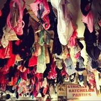 The Panty Bar, Paternoster