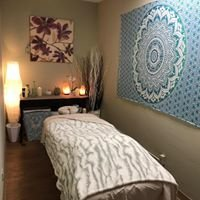 Ho'ola Massage by Kristen Arlen