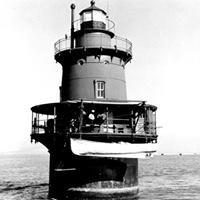 Newport News Middle Ground Light