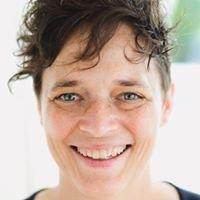 Renée Hardy, Professeur de Yoga