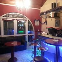 "Caffe bar ""Royal"" Husino"
