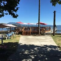 The Boathouse Bar & Restaurant On The Lake