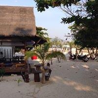 V-View Beach Bungalows