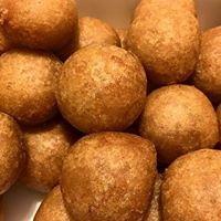 Aunty Esther's Sweet's W/Poi Mochi