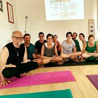 Ashtanga Yoga Bologna AYBO, Rys200, Rys300