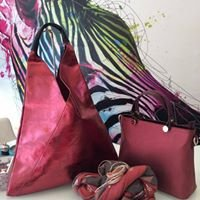 Lainey Handbags & Accessories
