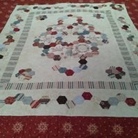 Bee Creative Custom Quilting