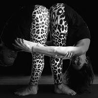TreeLiving Yoga