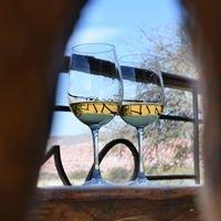 La Casa de la Bodega - Wine Boutique Hotel