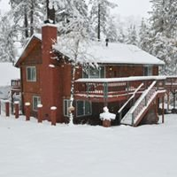 Knotty Betty Inn - Wrightwood Vacation Rentals/Cabins