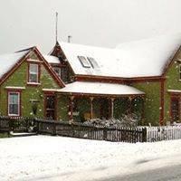 SeaCliff Cottage Suites