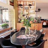 Bar & Kitchen The House